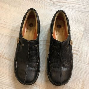 Clarks unstructured leather slip ons